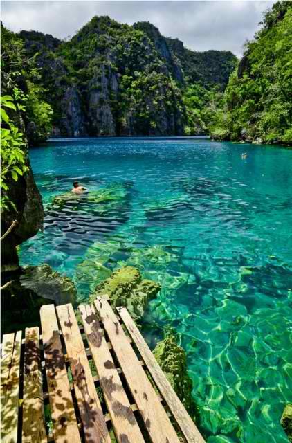 Kayangan-Lake-Coron-islands-Palawan-Philippines-422x640