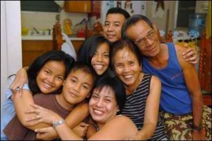 filipino family (1)